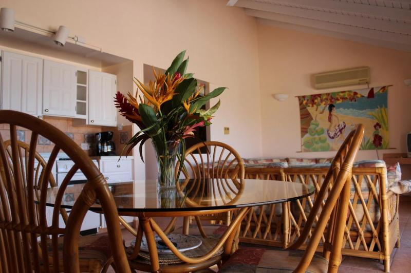 Coyaba Dining, Living Room