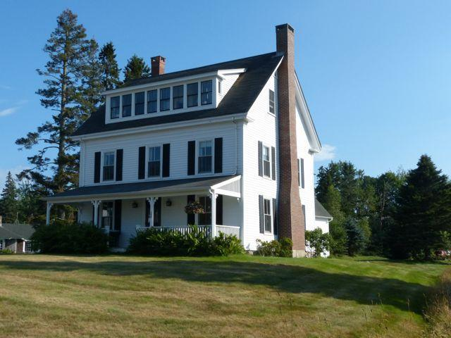 Family Friendly Farmhouse with fantastic views, vacation rental in Seal Harbor