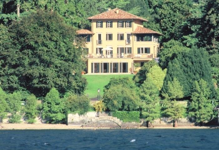 Villa Affascinante Lake como luxury vacation villa, location de vacances à San Siro