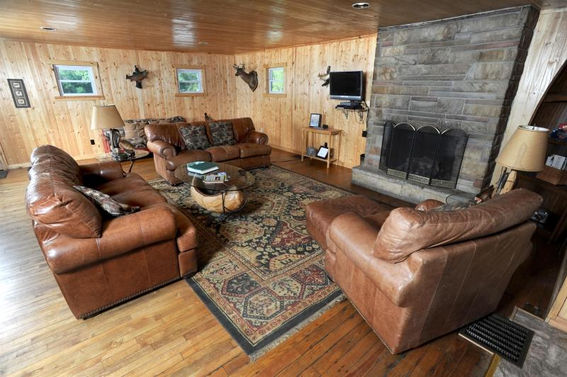 Black Moshannon Lodge,  near State College PA, holiday rental in Julian