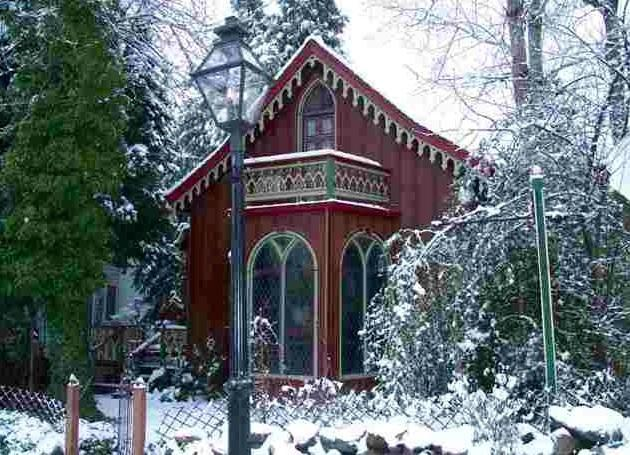 Two Room Inn in winter- a lovely time to visit Nevada City and stay in this unique home