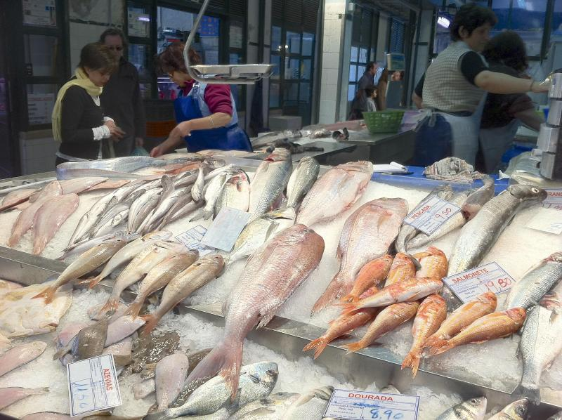 The market is a great place to get fish, meat (including organic), fruit, veg, flowers, bread....