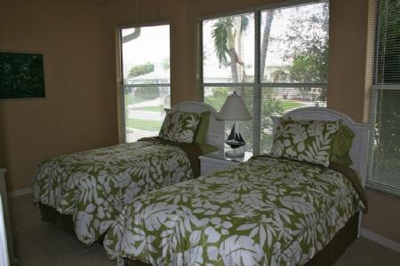 Third Guest Suite with Twins Bed