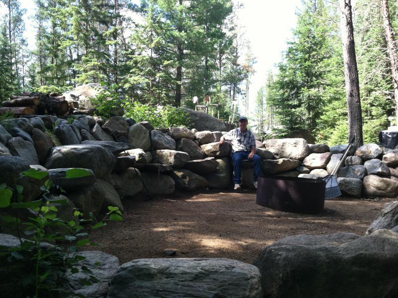 Cabin Eleanor's Campfire Area