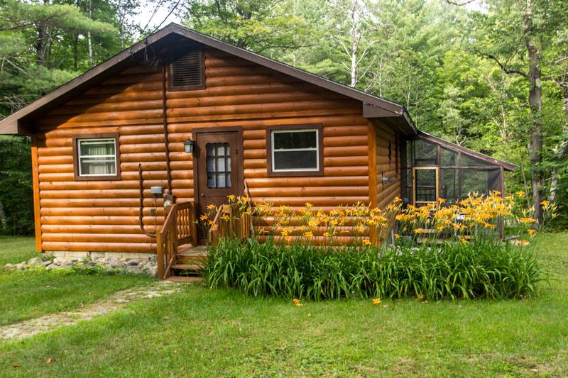 Babbling Brook Cabin - 1 Mile to Gore Mountain, holiday rental in Indian Lake