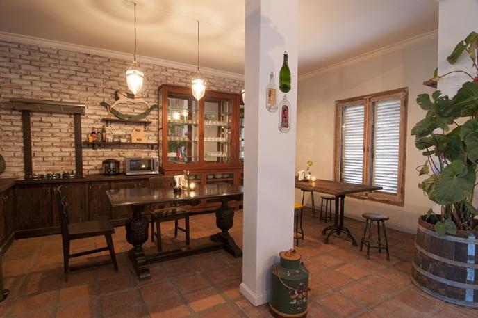 Zona de comedor y cocina