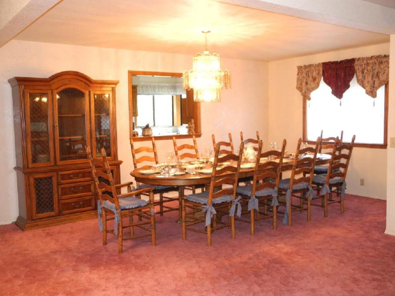 Dining room seats 10