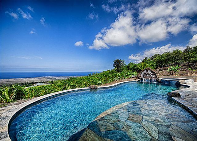 Take a dip in this private turquoise pool with a view!
