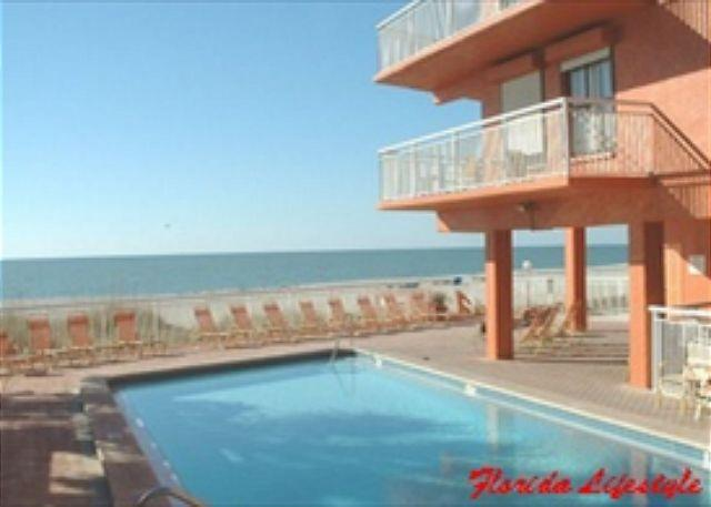 Chateaux Condominium 208, vacation rental in Indian Shores