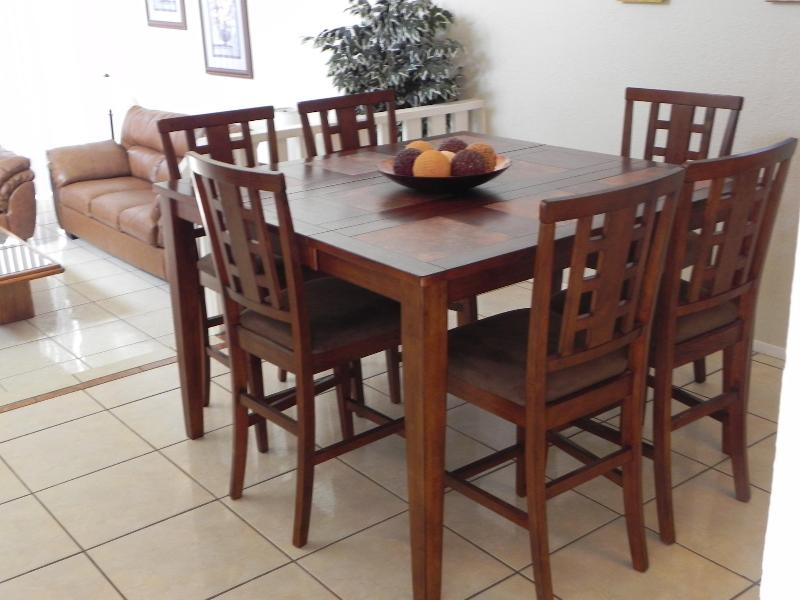 Dinning Table - Seating for 6