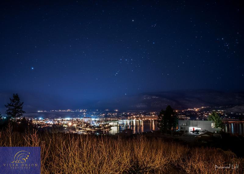 Discover above villa Orion Penticton the Orion stars! (23.March 2014).