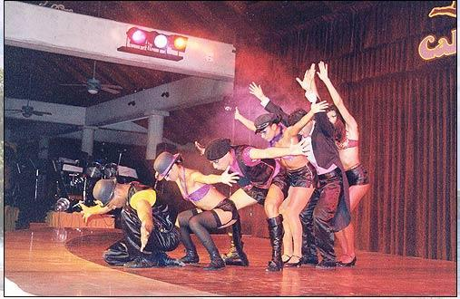 Melia Playa Conchal is a 5 star resort which is 5 minutes away. In the past they have had live shows (like this presentation of Cabaret), restaurants, a golf course, and the largest swimming pool in Central America.