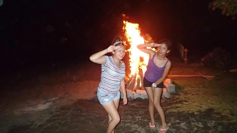 10 foot hight bonfire in front of the house on the beach. Too much fun!