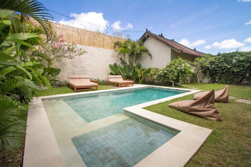 Jardín, piscina & relajación. 8x3.5m piscina con sección infantil niños