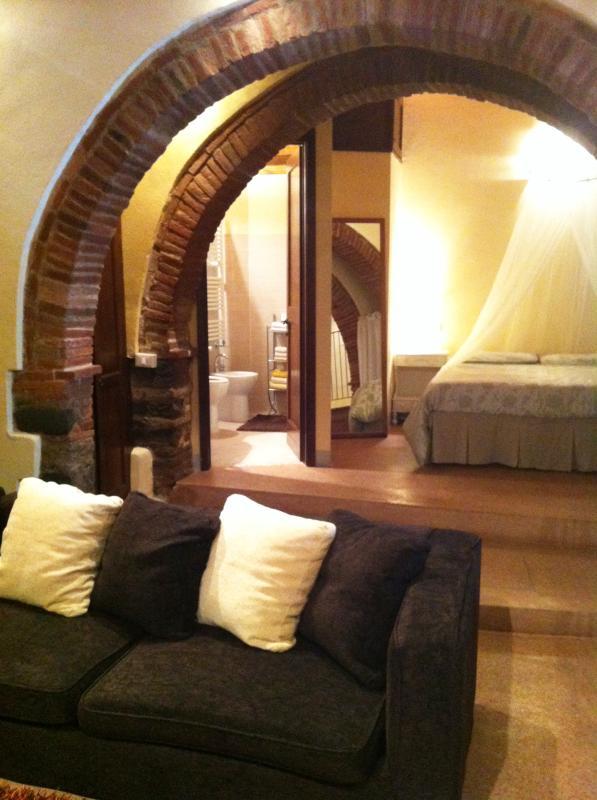 bedroom/loungeroom