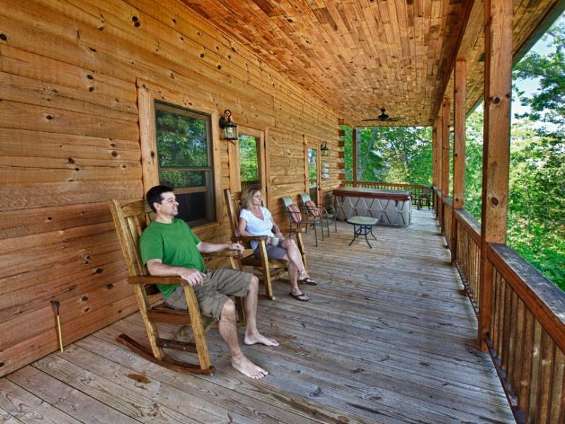 Sedia a dondolo portico affacciato sul Deep Creek Valley