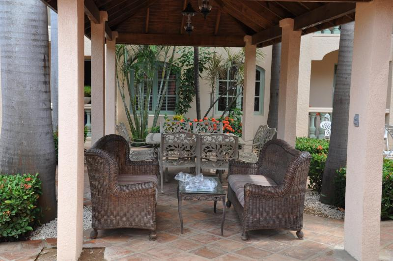 GAZABO WITH DINNING AREA FOR 8