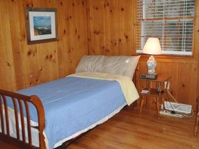 3e chambre avec lit gigogne (sort de faire 2 lits jumeaux)