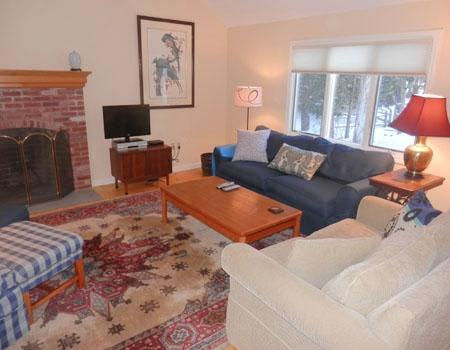 Segunda sala de estar con TV