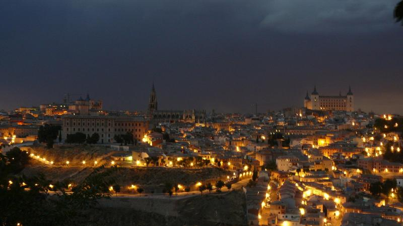 Toledo´s opposite views, our apartment on the photo center