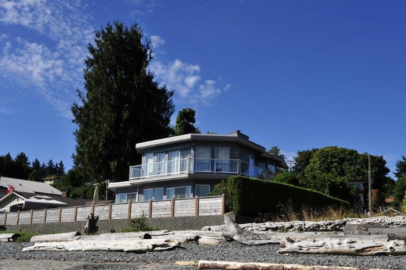 Seaview Beach House, Departure Bay Beach, Nanaimo BC