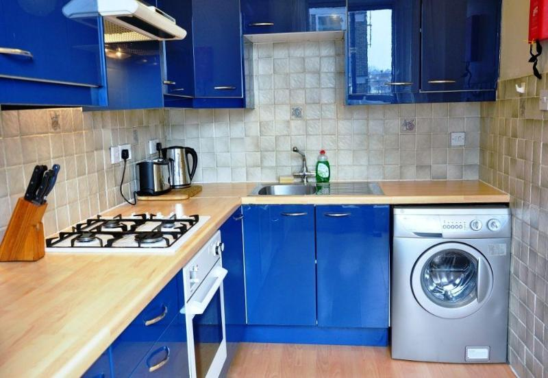 Oven and Hob, all plates etc provided