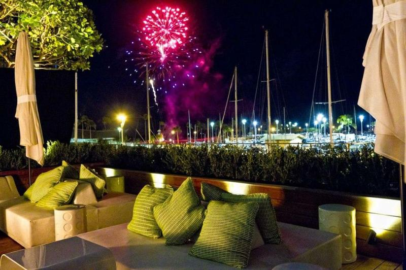 Every Friday Night Fireworks from your Lanai Spectacular