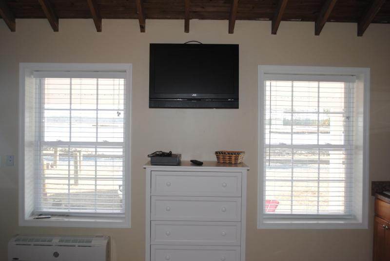 Unit has flat screen TV with built in DVD player