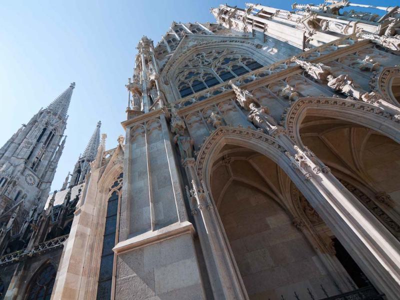 The Votiv church: 8 minutes walk