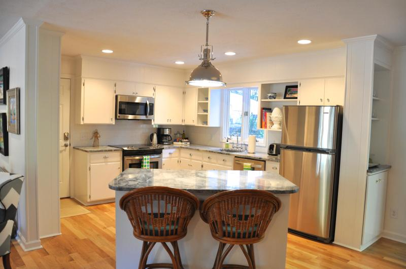 Kitchen fully remodeled with all the amenities