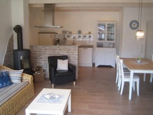 LLAG Luxury Vacation Apartment in Tettnang - 753 sqft, modern, country, high-quality (# 3610) #3610