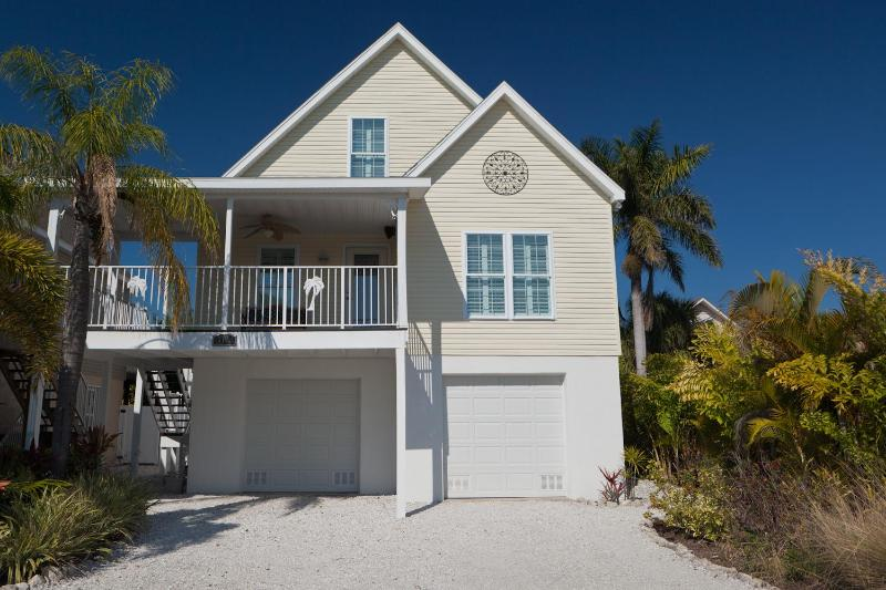 Happy Island Cottage - Anna Maria Island