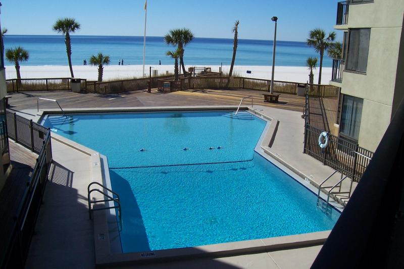 Center pool overlooking gulf