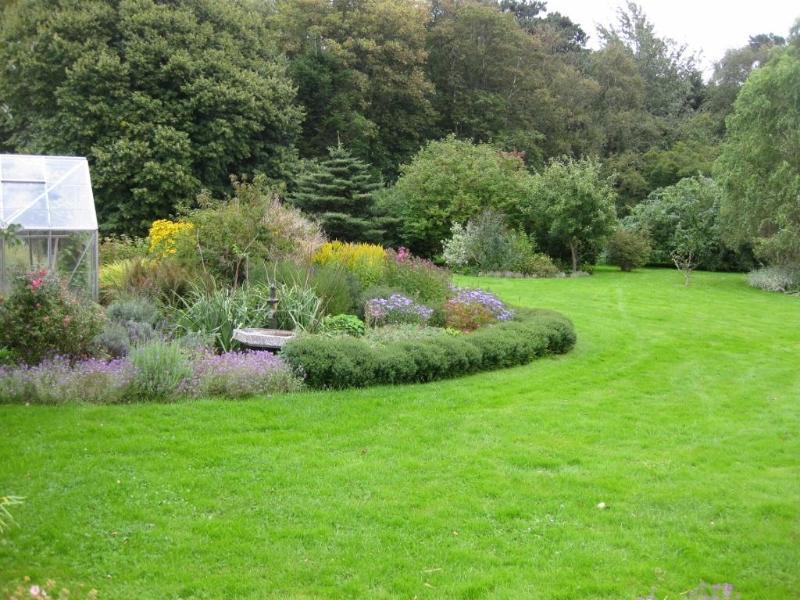 Garden (east)
