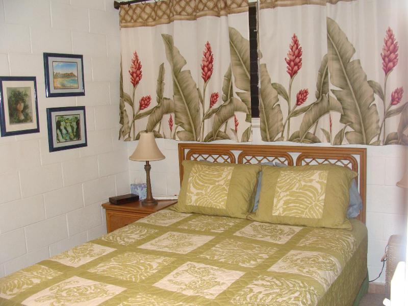 Mast bedroom - Hawaiian Room - Queen Bed