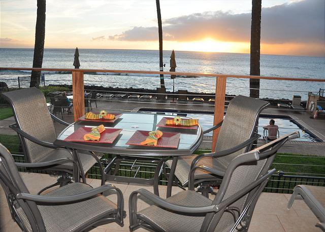 Hale Kai 217 - Maui Oceanfront Majesty with Old Hawaii Spirit, holiday rental in Lahaina