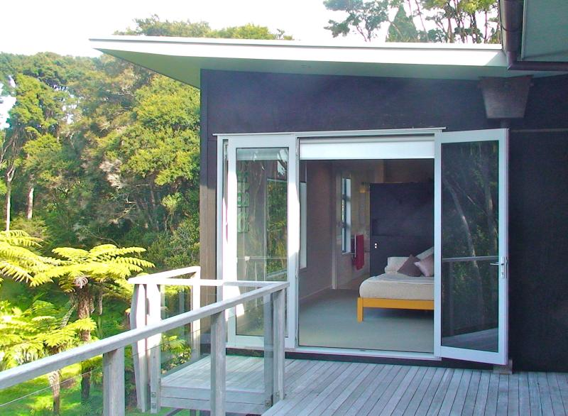 Oratia Bed and Breakfast, holiday rental in Auckland