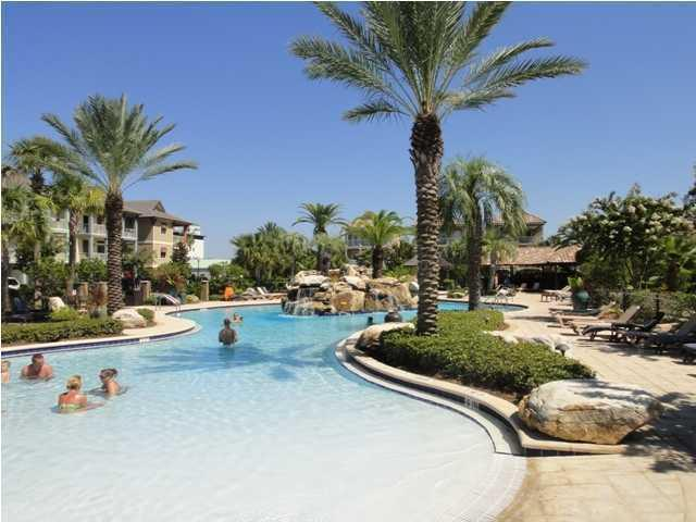 One of the biggest pools in Destin