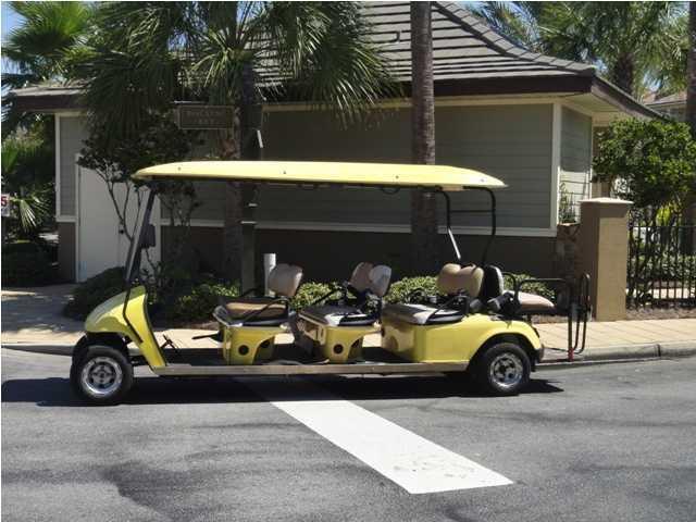 Free seasonal trolley to the famous Destin beaches