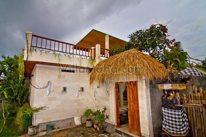 Vue de face de la Villa Maha