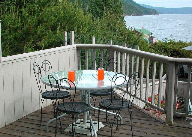 Otra mesa al aire libre.
