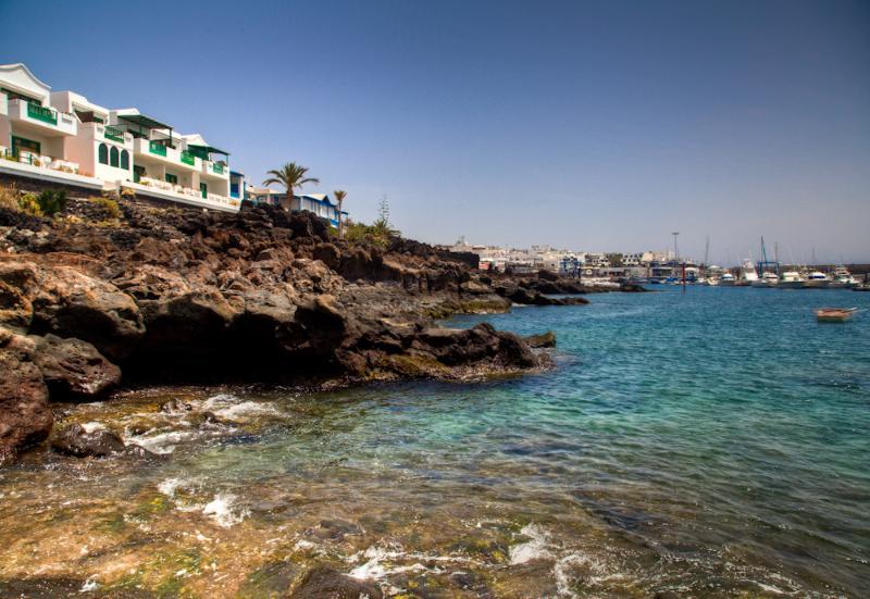 Buena Pesca 5 - Stunning sea views, aluguéis de temporada em Puerto Del Carmen