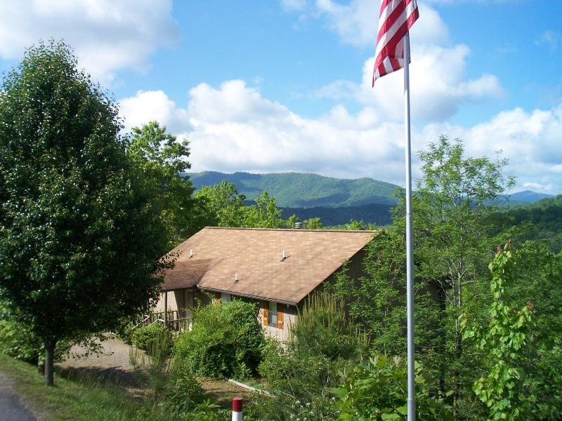 Laurel Mountain Cabins - Daisy Cabin - Great Location