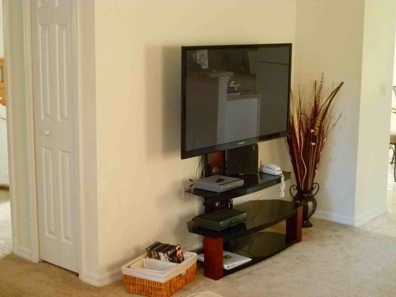 Mais de 285 canais e uma TV 51' para seu prazer da visão