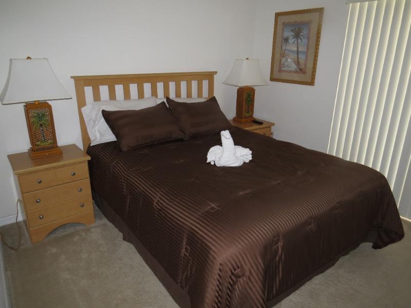 Piso principal quarto com cama queen size