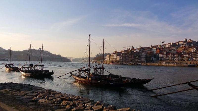 Wide view of Douro river, Oporto and Vila Nova de Gaia near de Oporto cellars