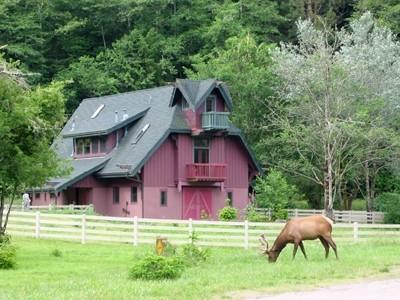 Contemporary Farmhouse, location de vacances à Klamath