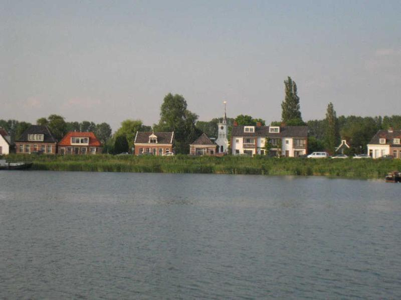 Schellingwoude, view from the waterlock, just 100 m from Garden House