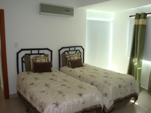 Secondary Bedroom twin beds