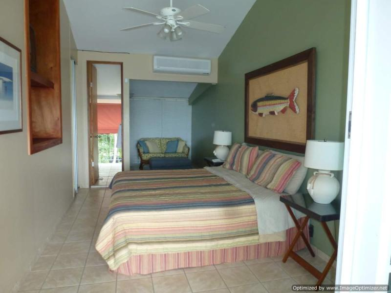 Oceanfront Vacation Rental with Magnificent View, vacation rental in Dorado